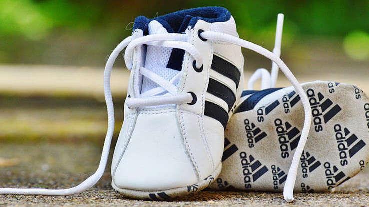 Kiedy i jakie pierwsze buciki dla dziecka?