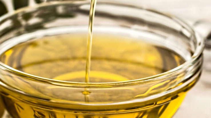 Kropla Tłuszczu: Jaki olej i masło dla niemowlaka?