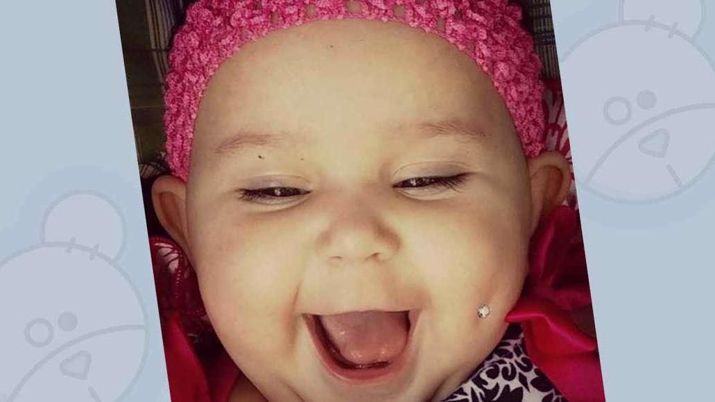 Półroczna dziewczynka z kolczykiem w policzku: czy rodzice mają prawo przekłuć dziecku policzek?
