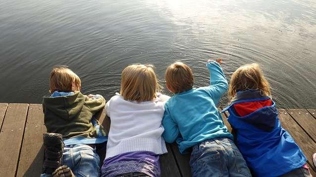 W wakacje dzieci częściej zarażają się owsicą