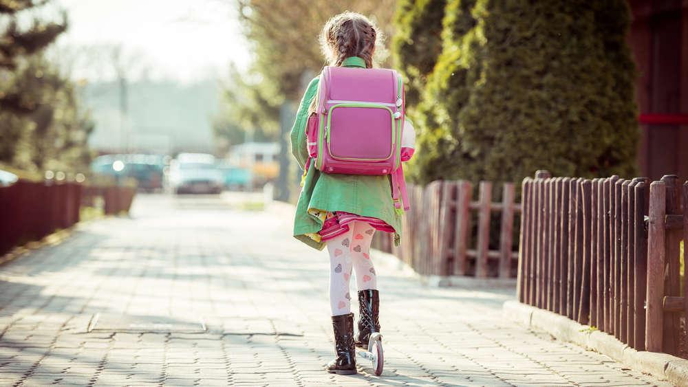 Plecaki szkolne dla dziewczyn – jaki rodzaj i model wybrać?