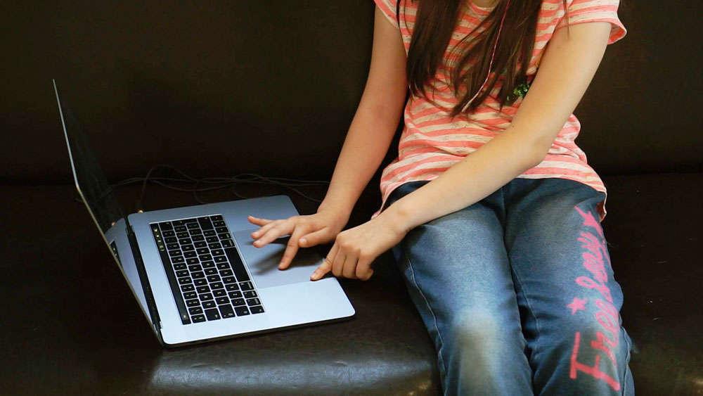 Bezpieczne dziecko w sieci, czyli kontrola rodzicielska
