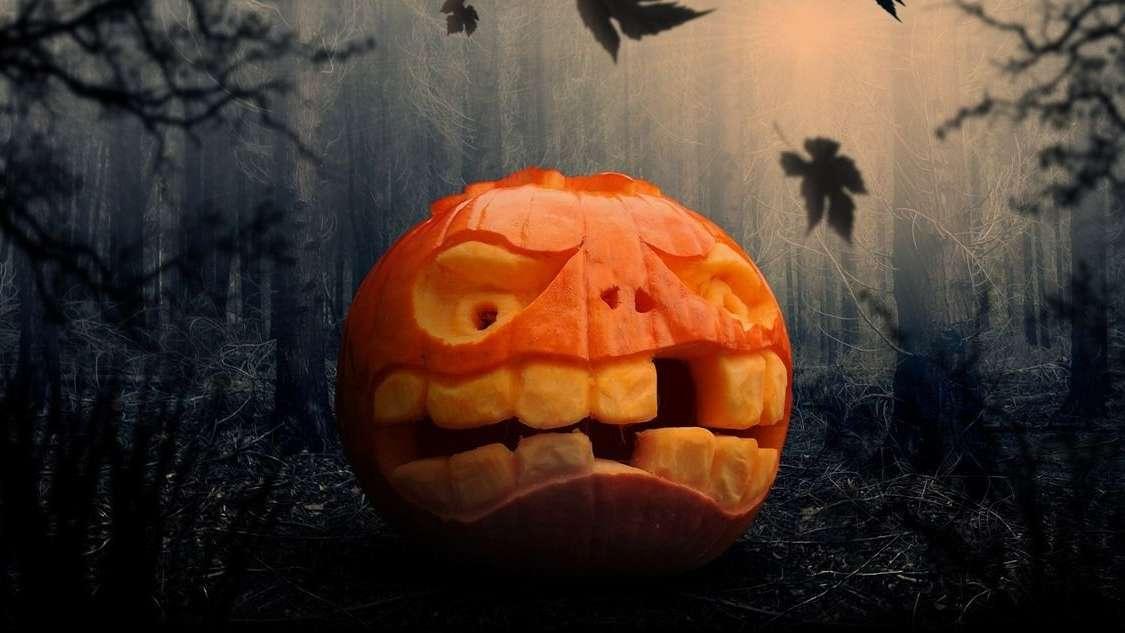 """""""Halloween jest szkodliwe dla dzieci"""" według Rzecznika Episkopatu. Jakie są zalecenia Kościoła na dzisiejszy wieczór?"""