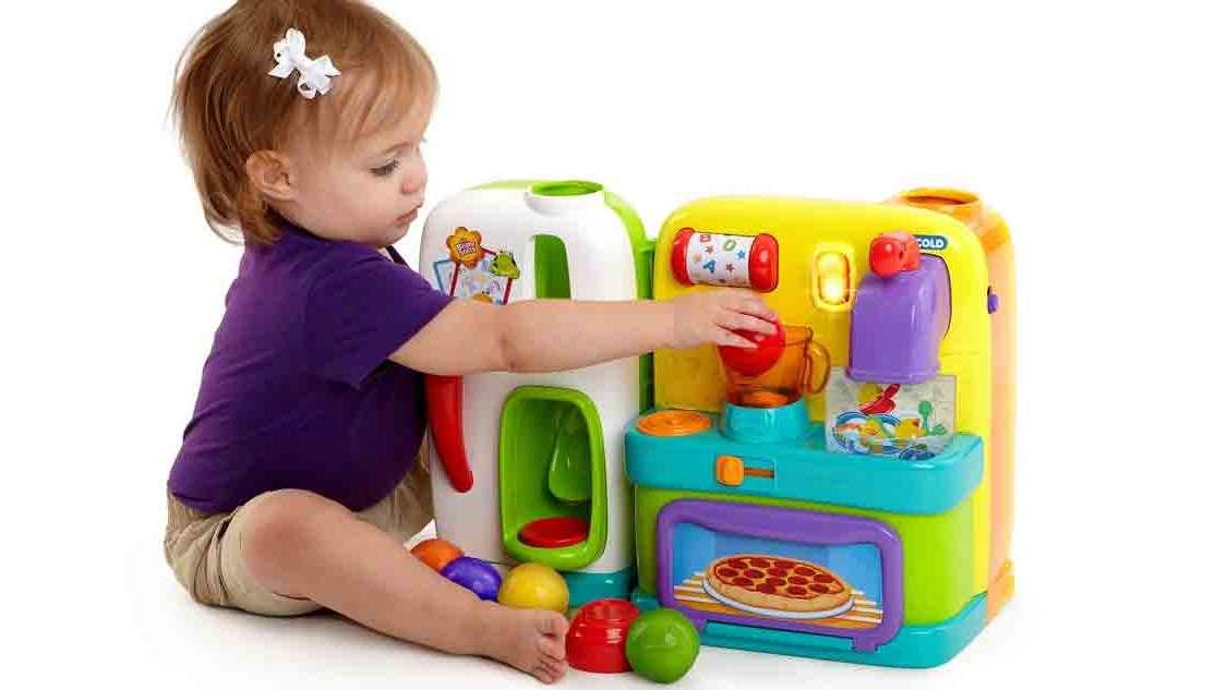 Zabawki dla rocznego dziecka: Zrób to sam + nasze TOP3