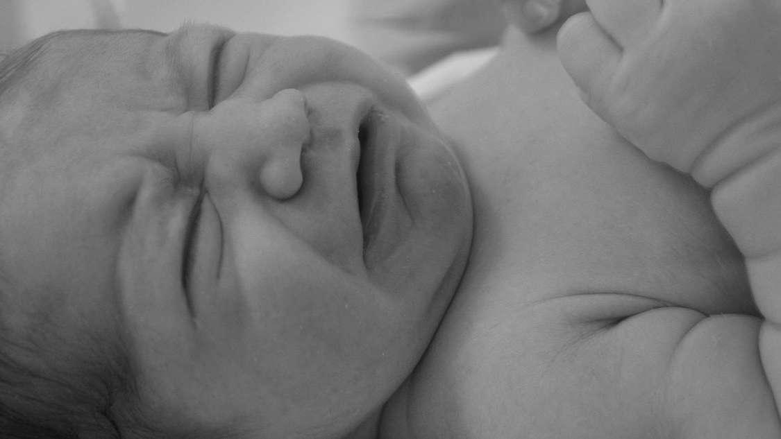 Kolka niemowlęca – przyczyny, objawy i sposoby zapobiegania