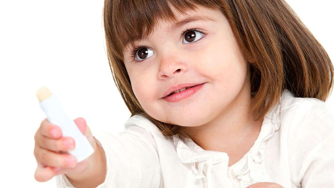 Spierzchnięte usta (nie tylko u dzieci): przyczyny i sposoby walki