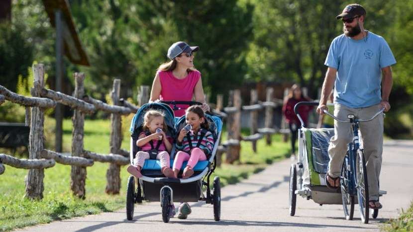 Wózek dla bliźniaków: Jaki wybrać?
