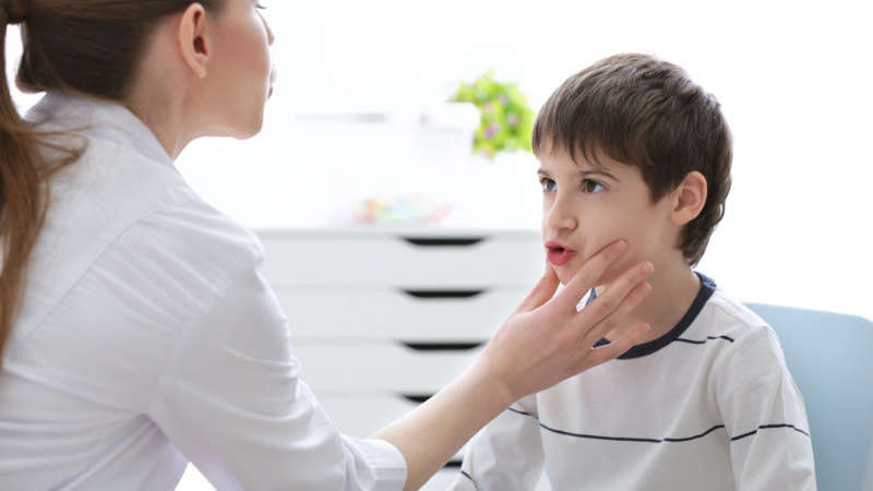Afazja dziecięca: co robić, gdy dziecko nie mówi?