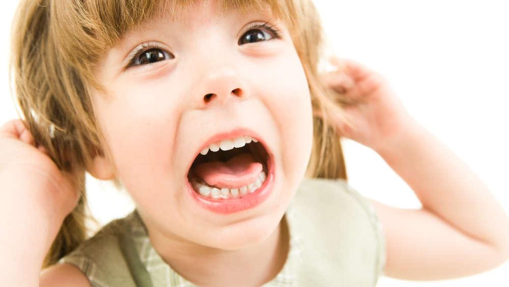 Dziecko płacze i krzyczy w miejscu publicznym? Ten trik pomoże je uspokoić!