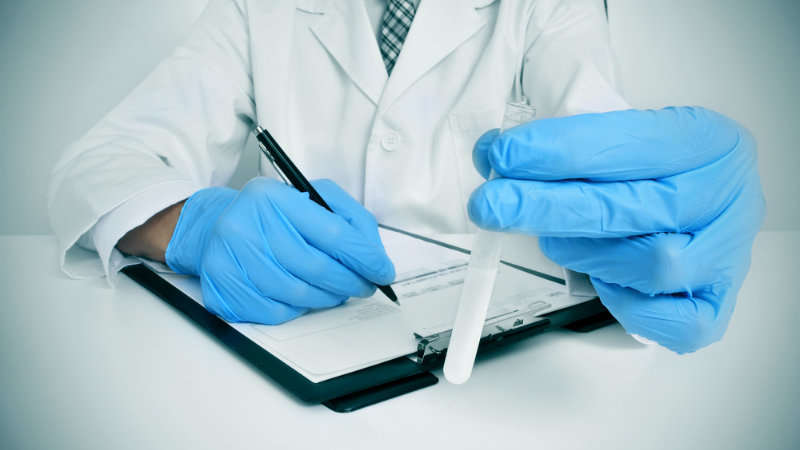 Jak zwiększyć ilość spermy? Ile spermy potrzeba do zapłodnienia?