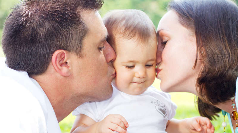 """Mama to """"lepszy rodzic""""? Naukowcy to sprawdzili!"""