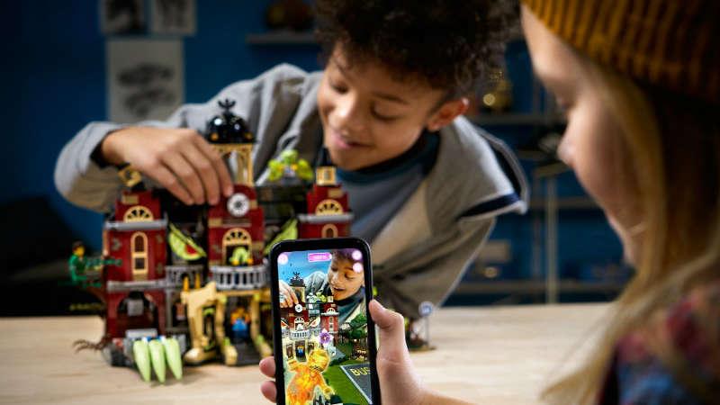 LEGO® HIDDEN SIDE™: zabawa przenosi się do rzeczywistości AR!