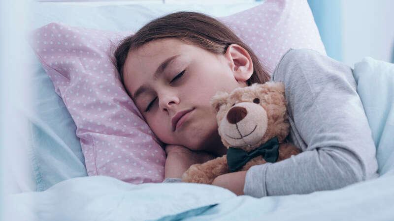 Paracetamol dla dzieci: czy popularny lek na gorączkę zawsze jest bezpieczny dla dziecka?