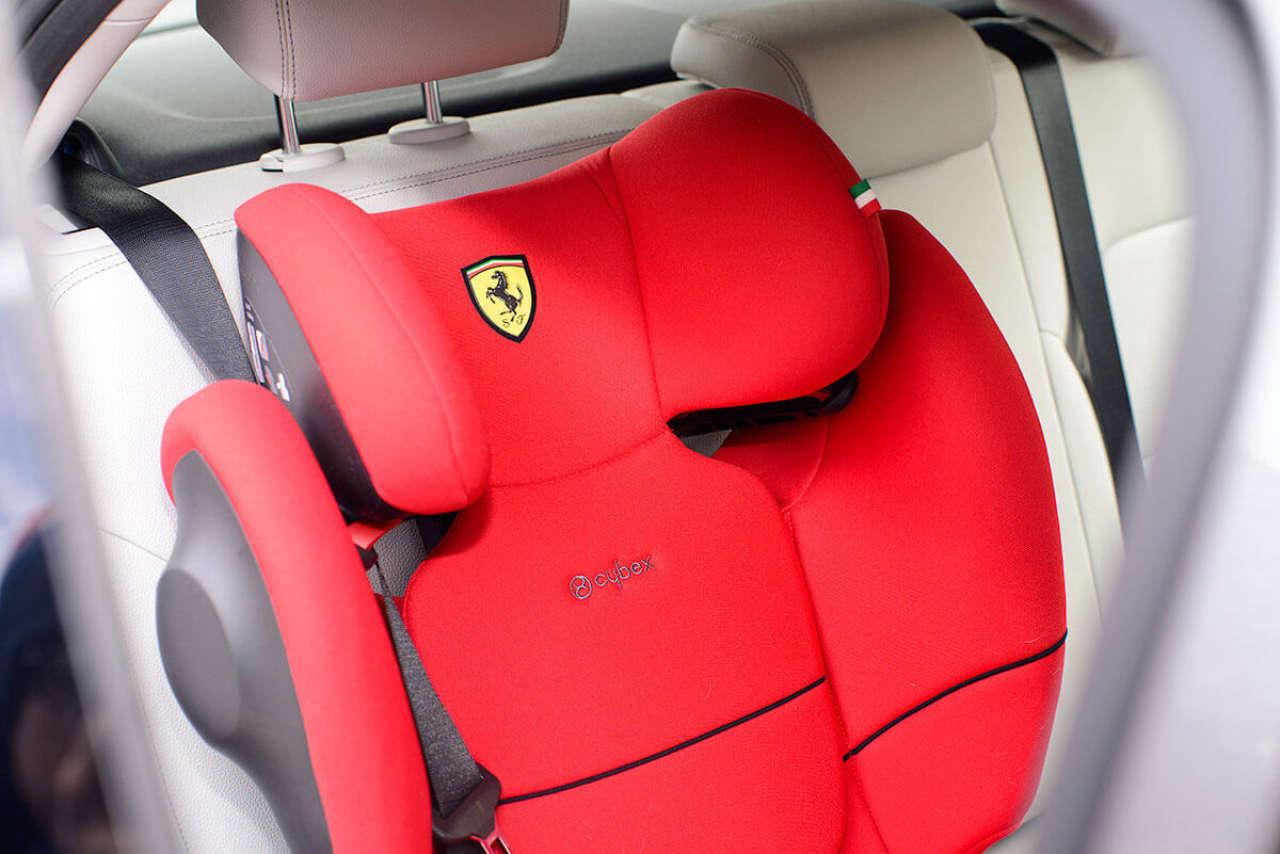 Jak zamontować fotelik w samochodzie krok po kroku?