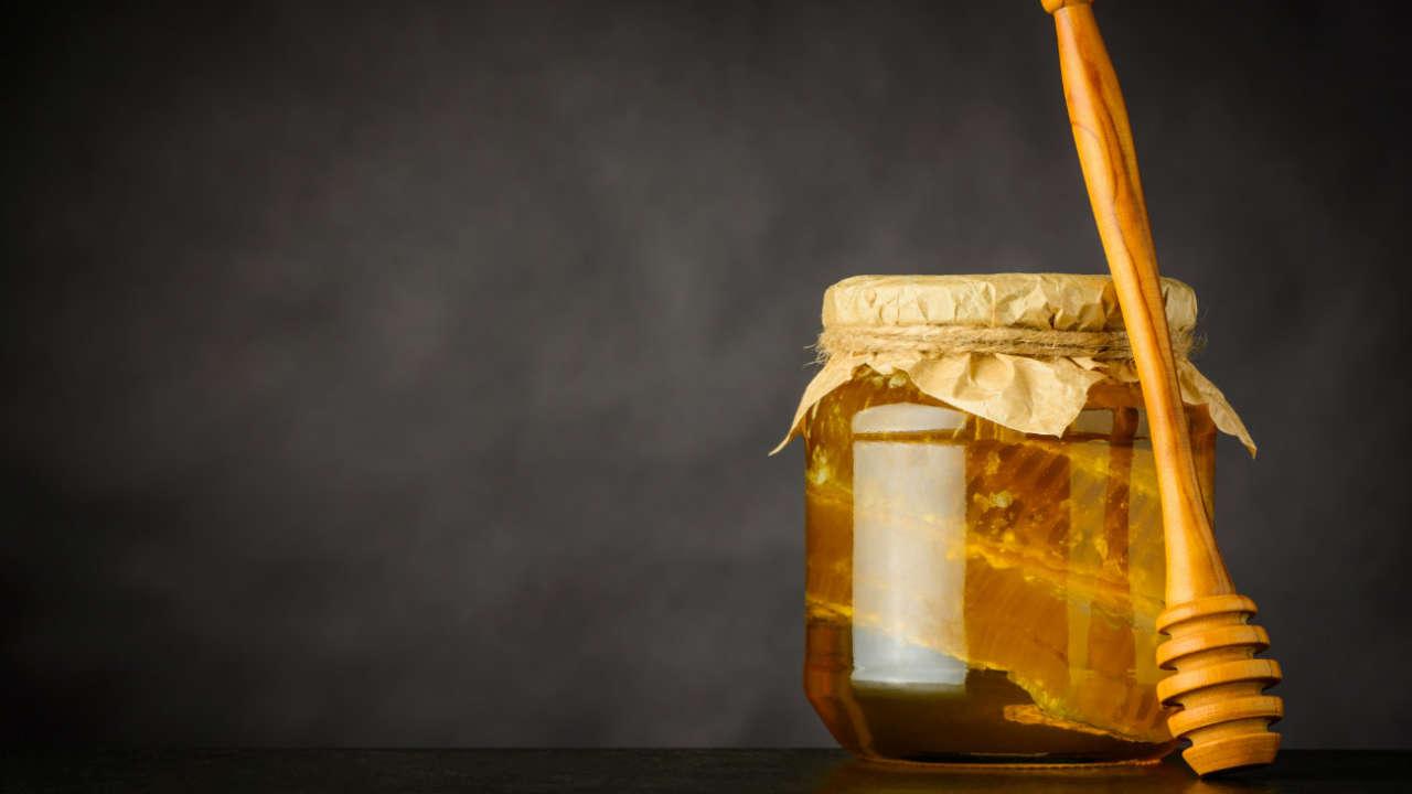 Miód w ciąży: jakie korzyści daje spożywanie miodu w ciąży?