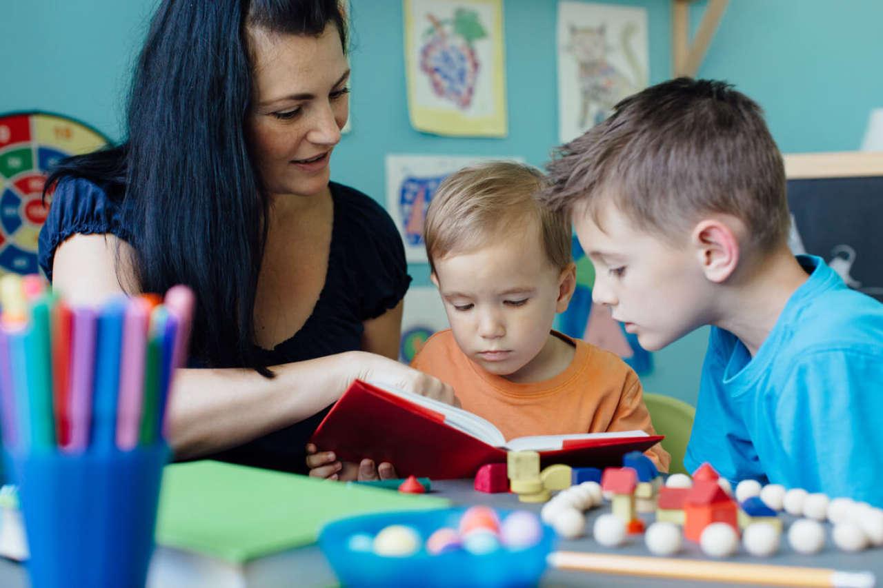 Głoskowanie: czy faktycznie pomaga dziecku w nauce?