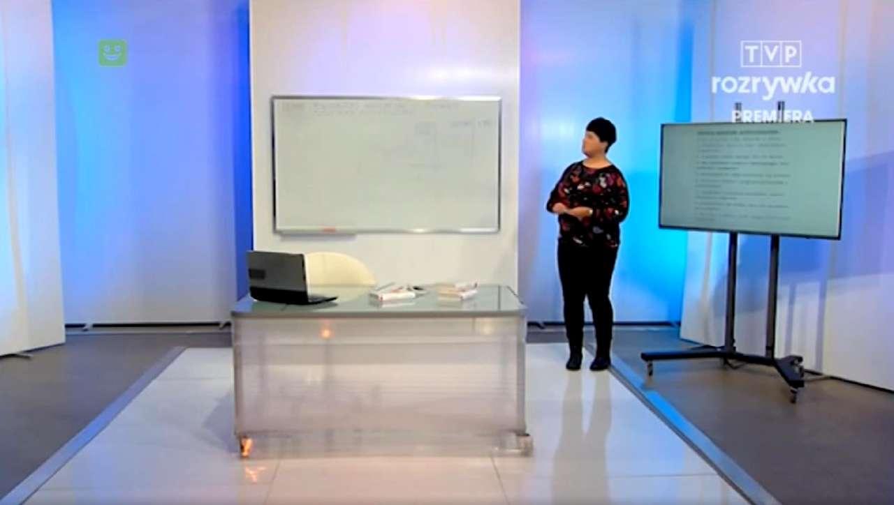 """""""Komercyjne media stygmatyzują nauczycieli"""" – tak TVP broni cyklu """"Szkoła"""". Rodzice w szoku, a co na to nauczyciele?"""