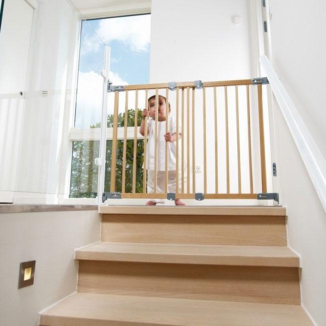drewniana bramka na schody