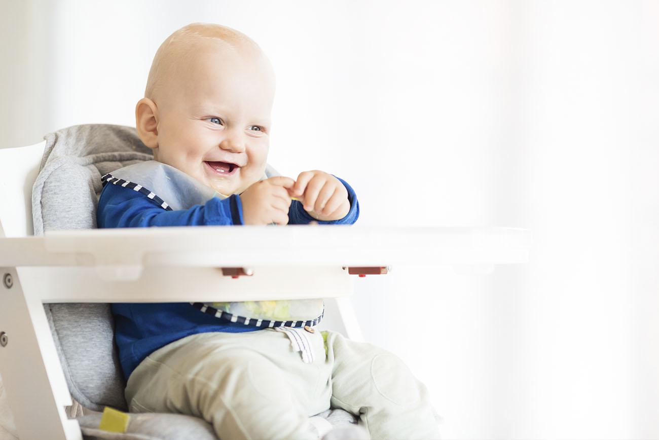 Twarożek i kefir: kiedy można je wprowadzać do diety niemowlaka?