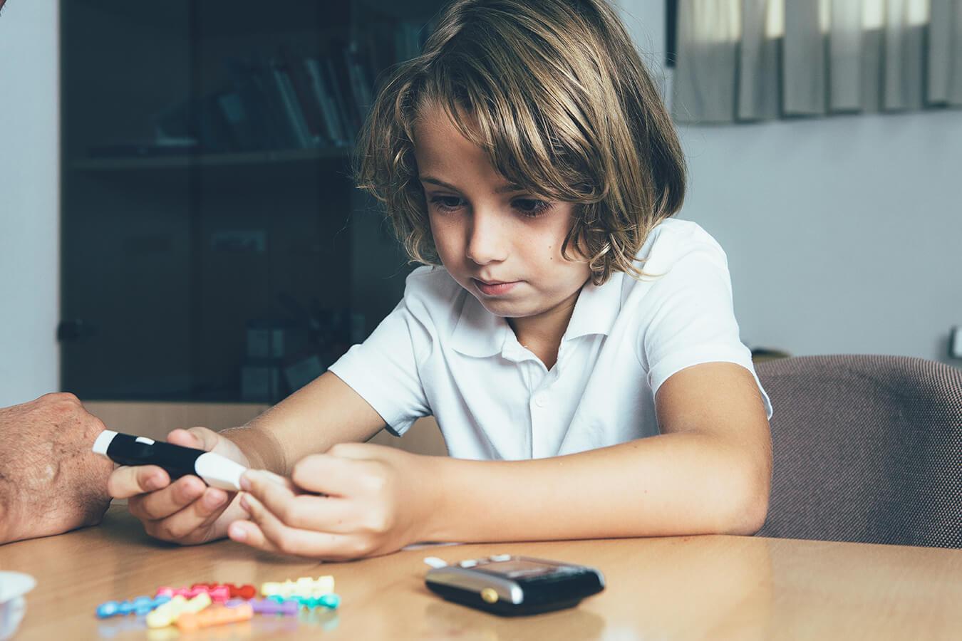 Cukrzyca u dzieci: Jakie są pierwsze oraz najczęstsze objawy cukrzycy u dzieci?