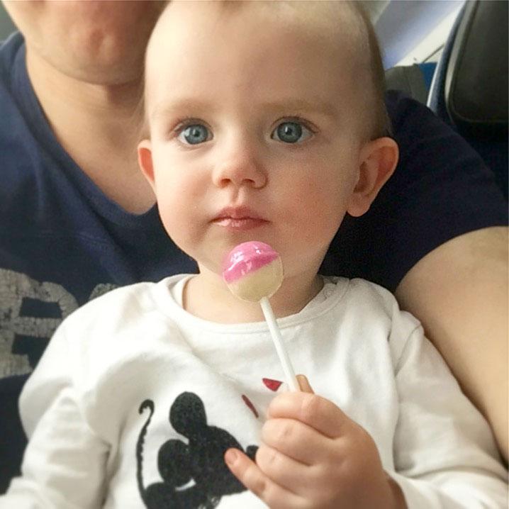Lizaki dla dziecka w samolocie