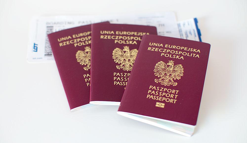 Jak wyrobić dziecku paszport?