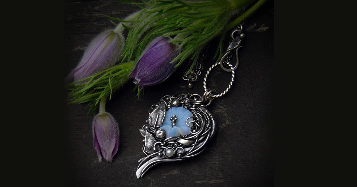 Biżuteria z motywami kwiatowymi na Dzień Matki