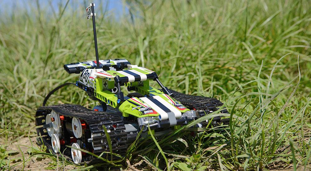 Z okazji 40. urodzin LEGO Technic testujemy zdalnie sterowaną wyścigówkę