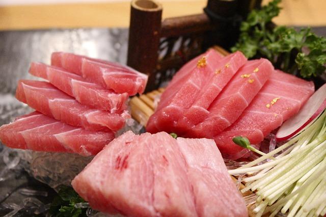 Tuńczyk w ciąży i podczas karmienia piersią