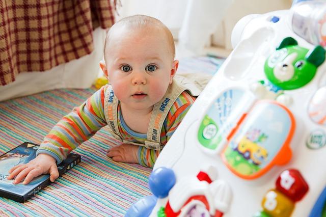 Ósmy miesiąc życia dziecka