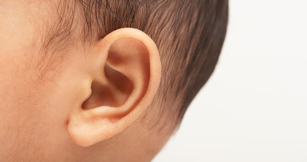 Woda utleniona do ucha (i nie tylko): Czy można nią zwalczyć infekcje?
