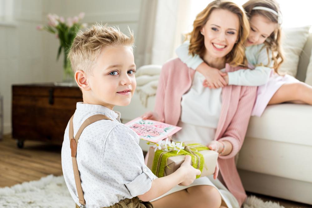 Co kupić mamie na Dzień Matki? 11 pomysłów Last Minute
