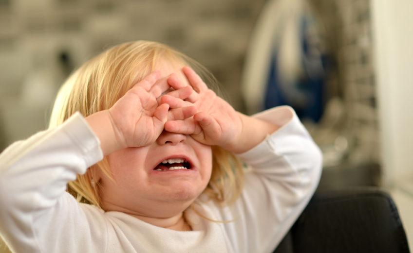 histeryczny płacz dziecka
