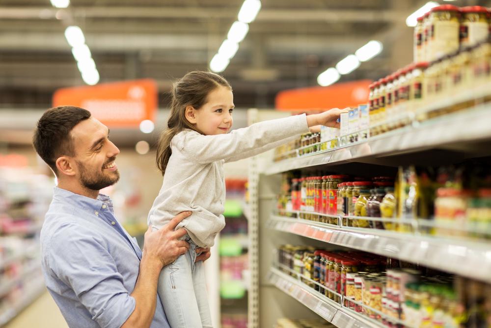 Żywność dla dzieci pod lupą Inspekcji Handlowej. Raport zdradza nieprawidłowości w ponad 30% placówkach!