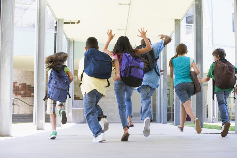 Kto nie dostanie 300 zł na wyprawkę szkolną dla dziecka? Sprawdź, czy jesteś wśród tych osób!