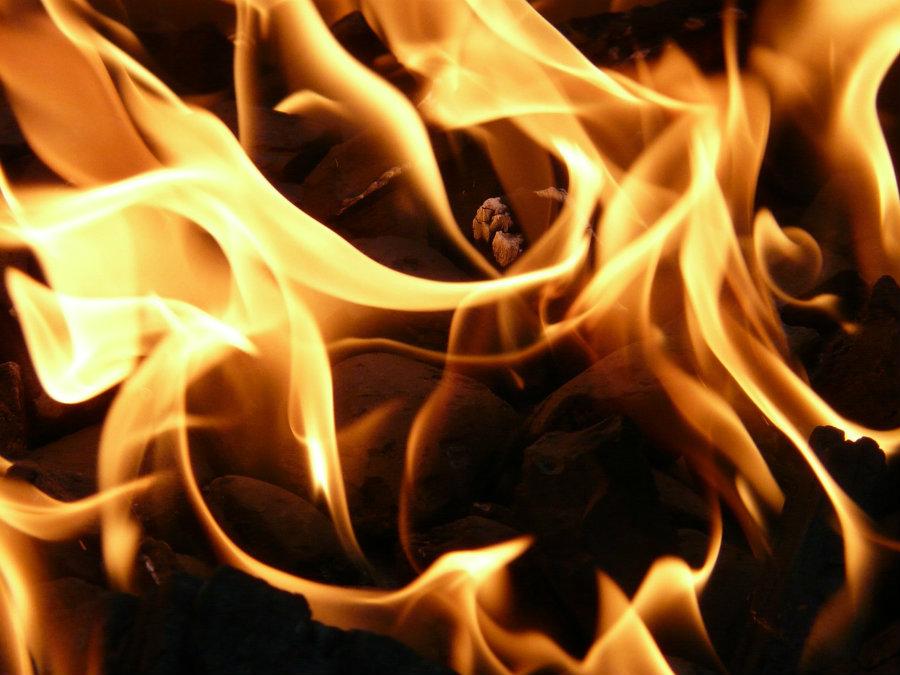 Sennik: pożar. Koszmar czy sen o pozytywnym znaczeniu?