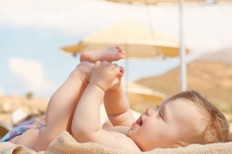 Upały a niemowlę: Jak pomóc niemowlakowi w upały?