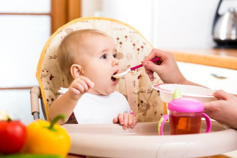 Rozszerzanie diety niemowlęcia karmionego piersią