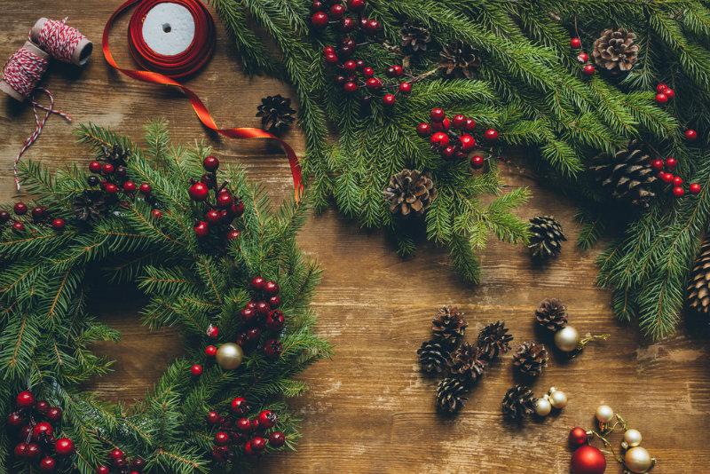 Stroiki świąteczne: ze sklepu czy DIY?