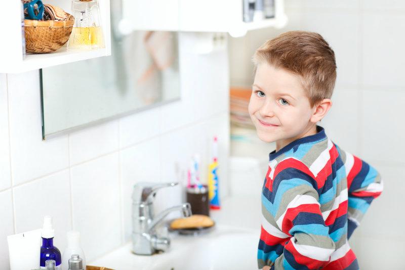 Szczoteczka elektryczna dla dzieci: jaką wybrać i od kiedy można jej używać?