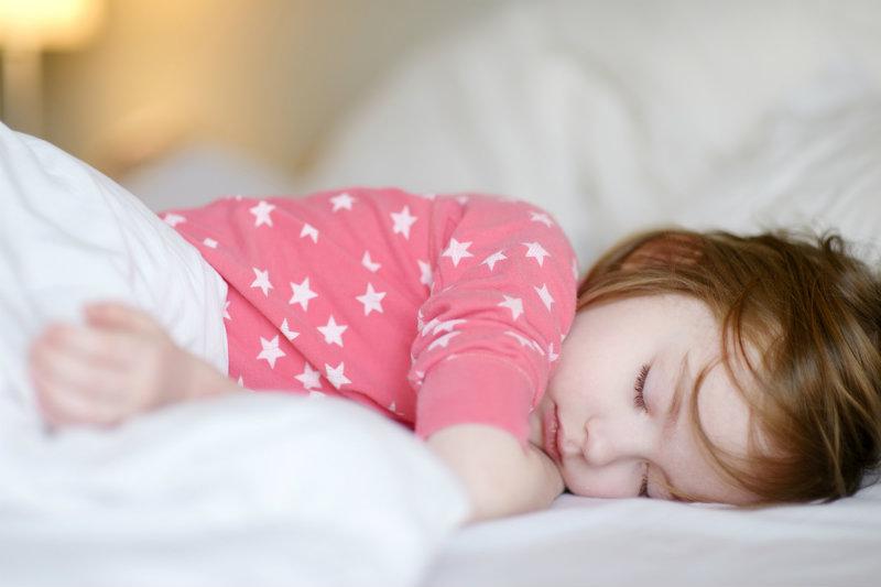 Piżamy dla dzieci: przegląd najfajniejszych modeli