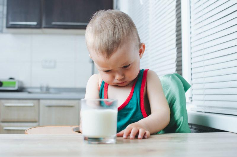 Skaza białkowa u niemowlaka: jak wygląda?