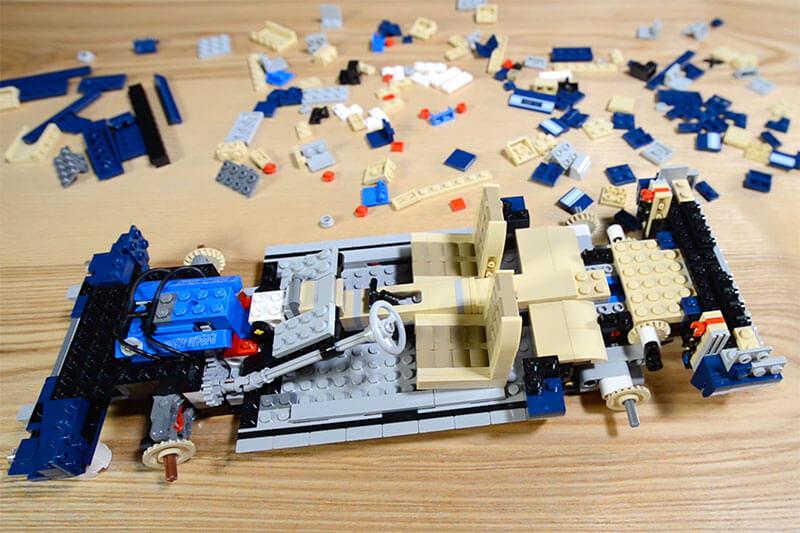 Imponująca replika z LEGO foteli Mustanga