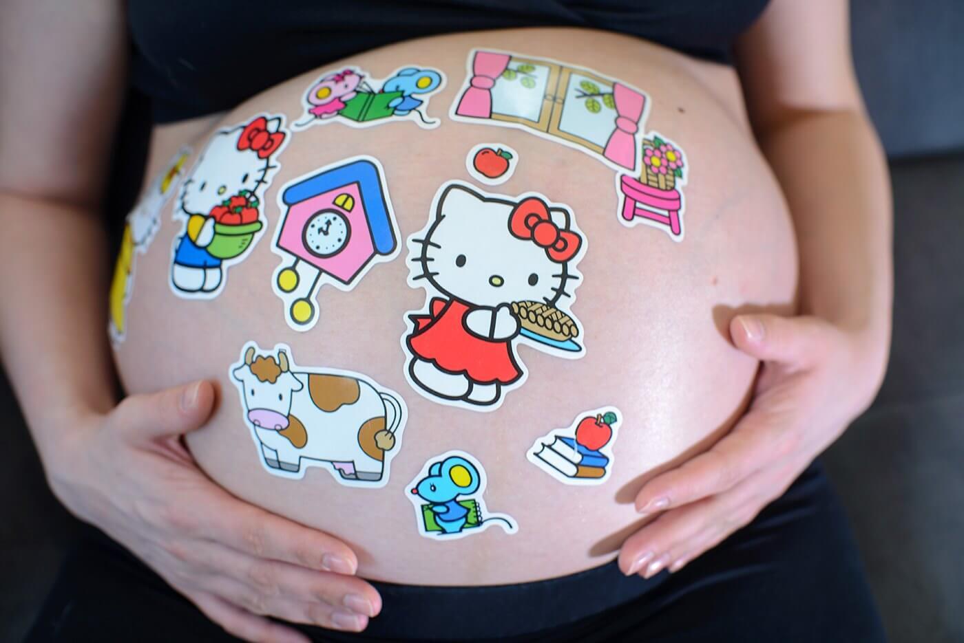 stawiający się brzuch w ciąży