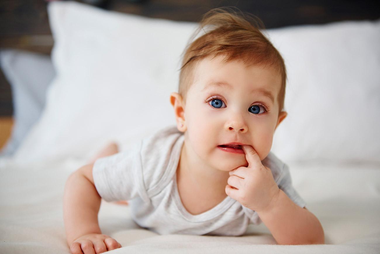 Gdy dziecko wymiotuje… Co podać dziecku przy wymiotach?