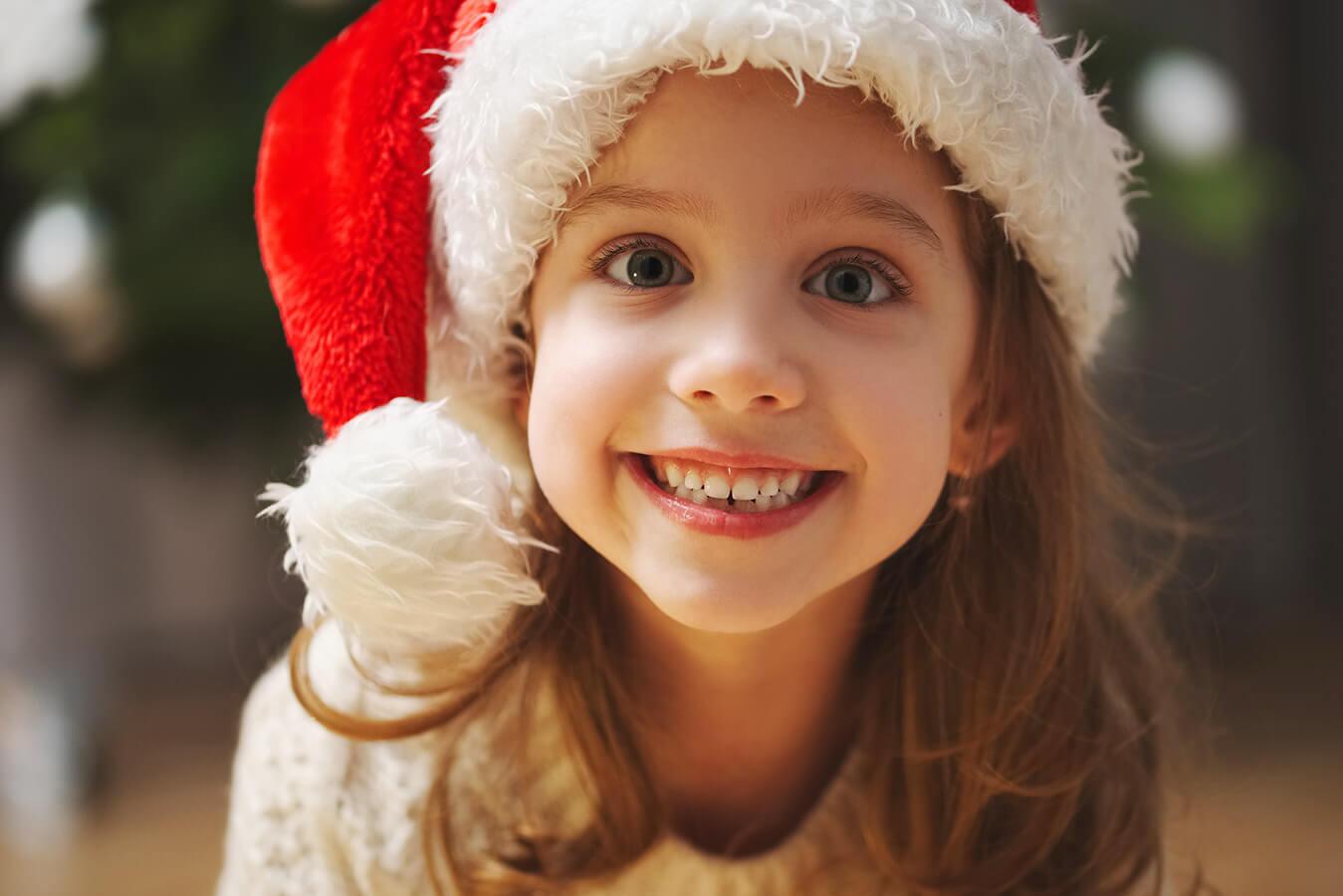 Wiersz o Mikołaju z pokazywaniem – pomysły dla dzieci