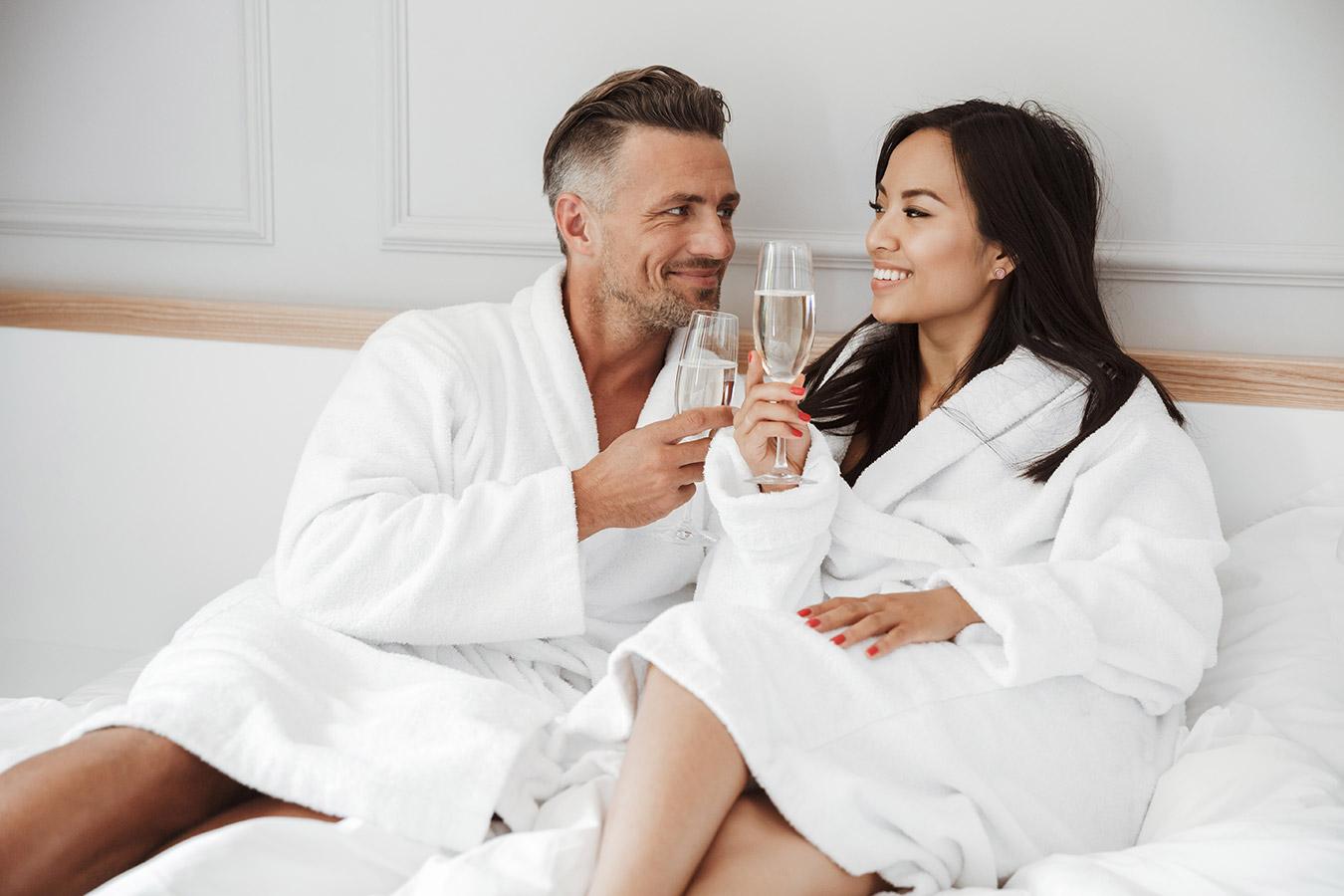 13 rocznica ślubu – Nazwa, Prezenty i Życzenia na trzynastą rocznicę ślubu