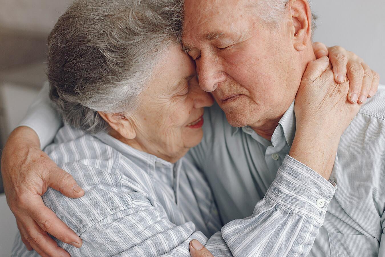 65 rocznica ślubu – Nazwa, Prezenty i Życzenia na sześćdziesiątą piątą rocznicę ślubu