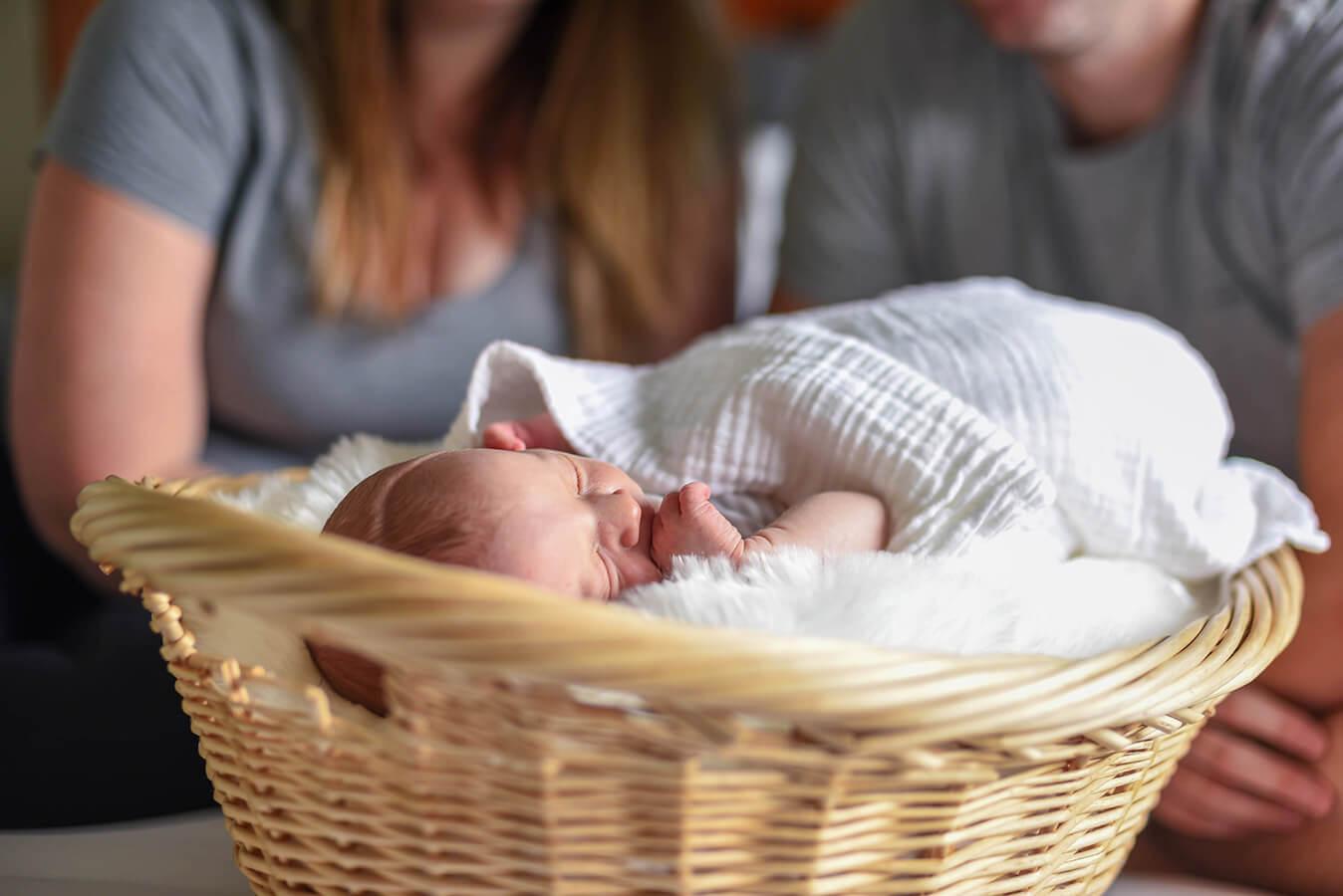 Biedronka wita nowy rok tysiącami paczek dla noworodków