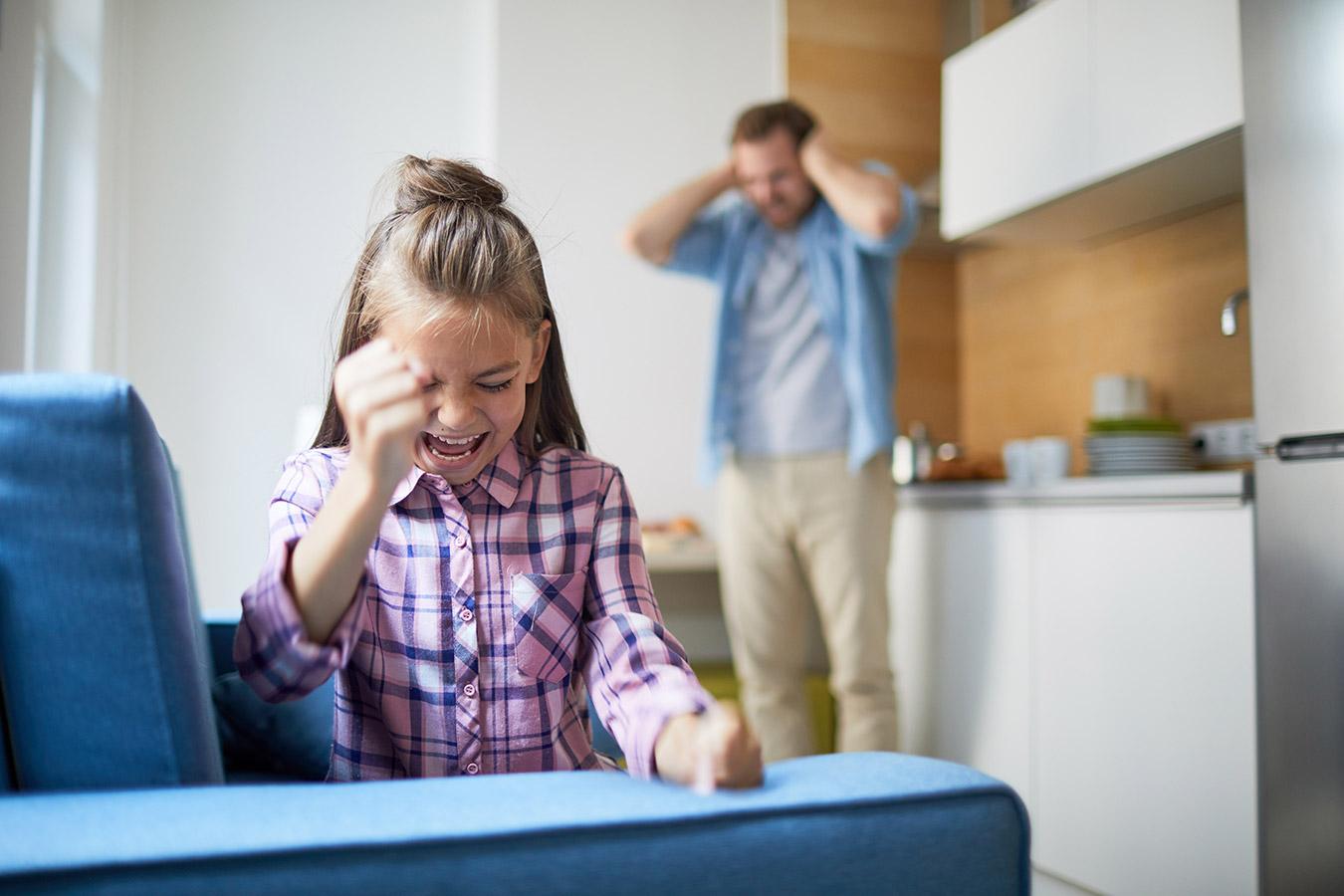 Zakłócanie spokoju w ciągu dnia przez dzieci – Sposób na głośne dzieci sąsiadów